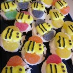 nfuf: how to make bumblebee cupcakes (& link-up!)