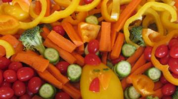 make a veggie turkey: kid-happy, thanksgiving dinner-ready