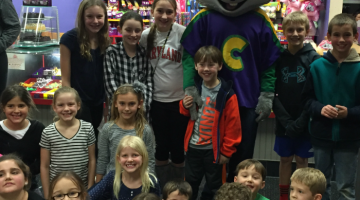 host a FUNdraiser for schools or non-profits at Chuck E. Cheese's: 3 reasons to do it