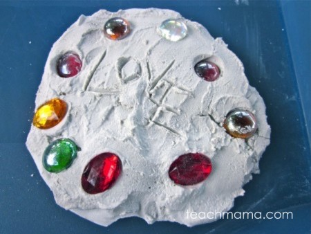 garden stepping stones and garden decorations | teachmama.com