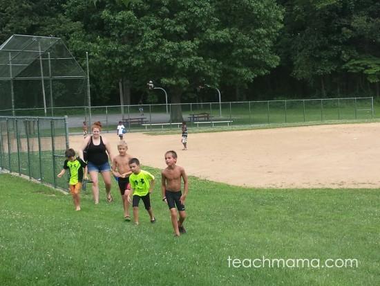 get kids to play outside | teachmama.com