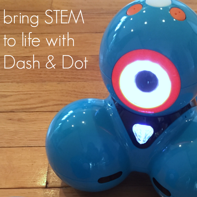 bring STEM to life with Dash and Dot robots meet robots teachmama.com
